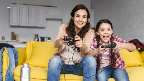 Avoid, prohibit DS, PSP, Xbox, Wii, TV (in the bedroom), etc., as they may be harmful to the child.